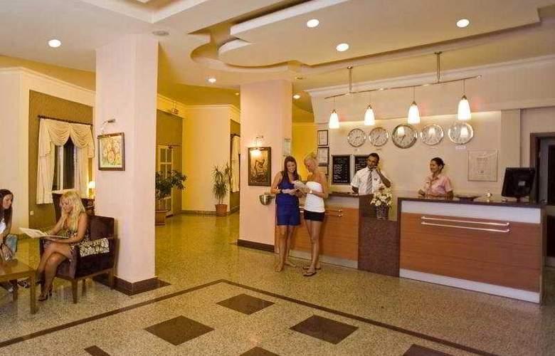 Riviera Hotel - General - 1