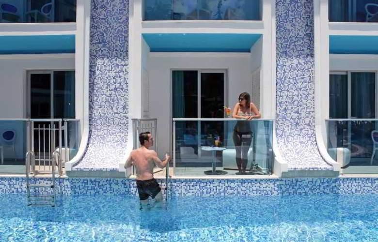 Ocean Blue High Class Hotel - Hotel - 6