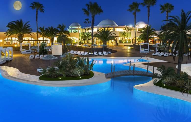 Elba Lanzarote Royal Village Resort - Pool - 3