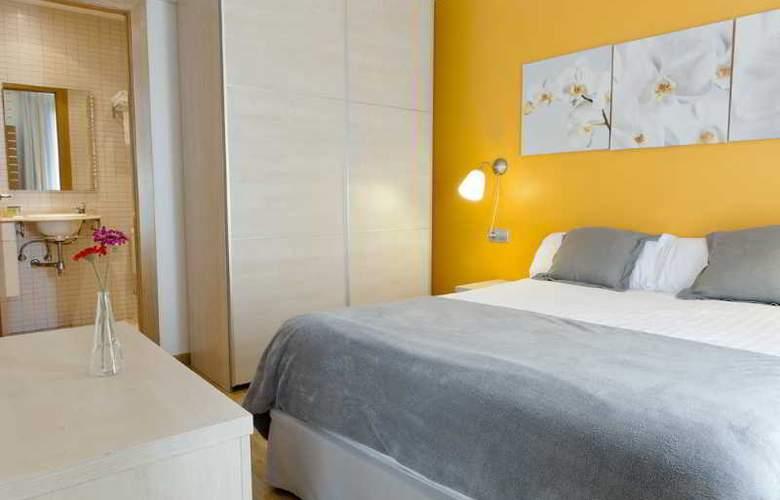 MH Apartments Sagrada Familia - Room - 4