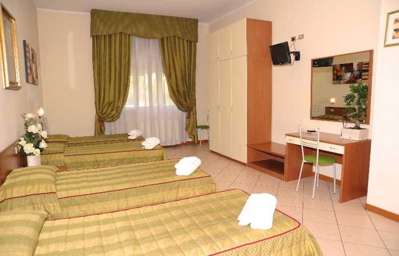 San Siro Fiera - Room - 11