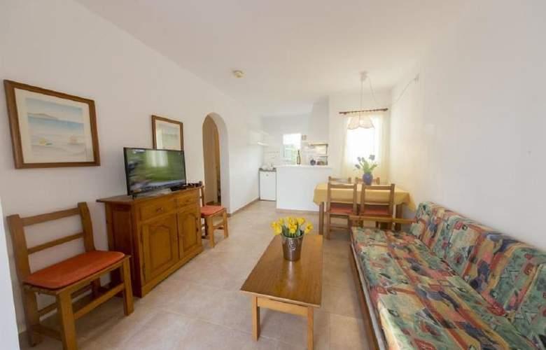 Annabels Apartamentos I y II - Room - 14