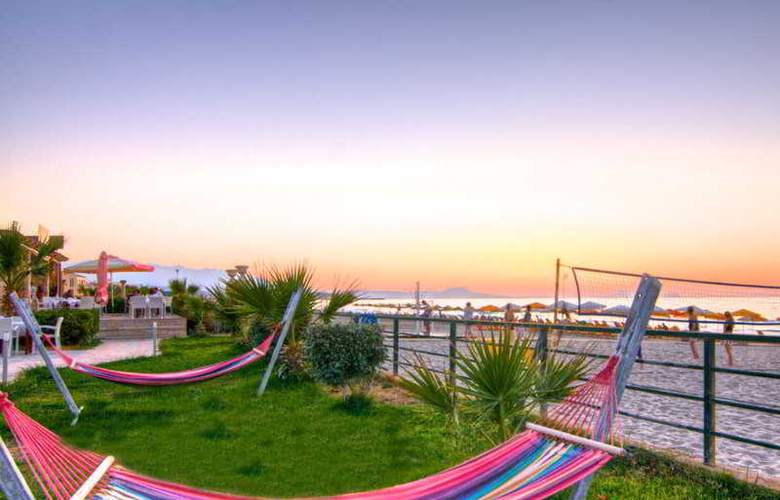 Dimitrios Village Aparthotel - Beach - 5