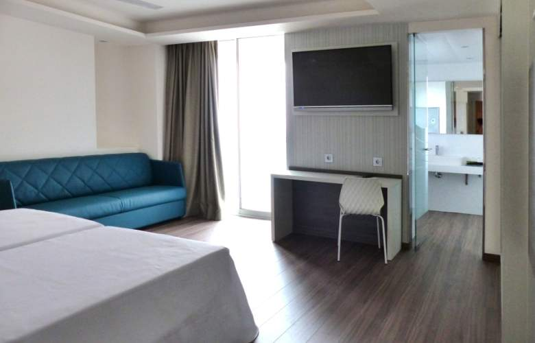 Port Benidorm - Room - 2