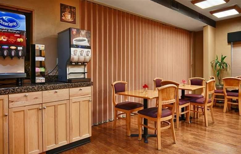 Best Western Woodburn - Restaurant - 78