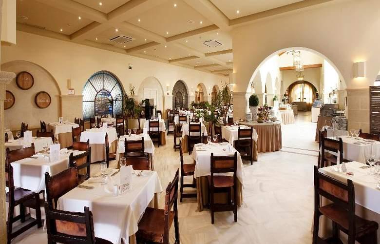 Playa De La Luz - Restaurant - 4