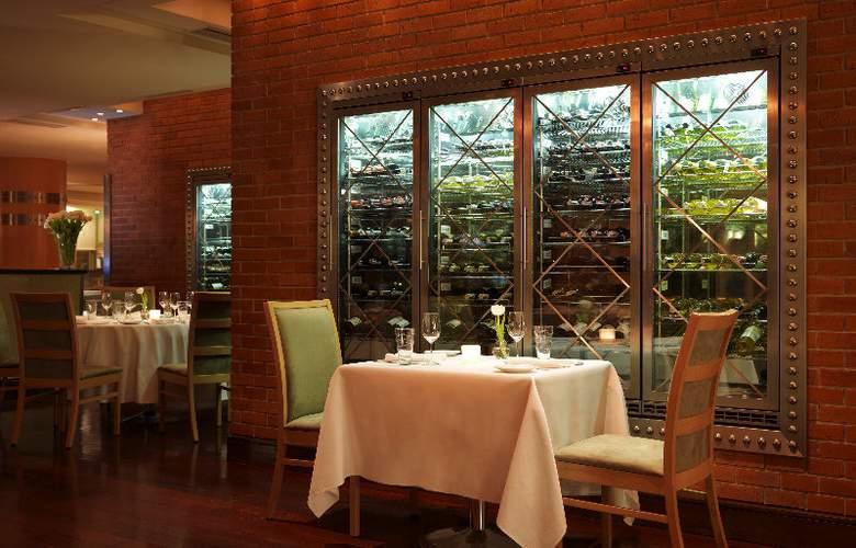 Regent Warsaw Hotel - Restaurant - 15