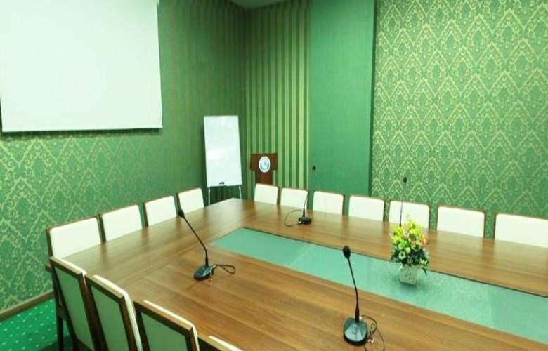 Ariva - Conference - 15