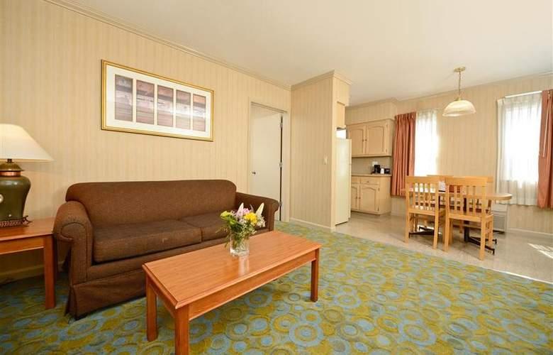 Best Western Plus Executive Suites - Room - 32