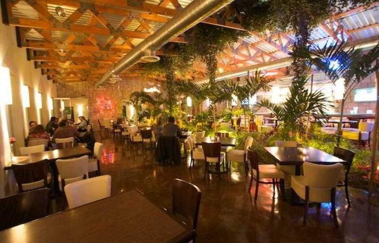 Victoria Express - Restaurant - 6