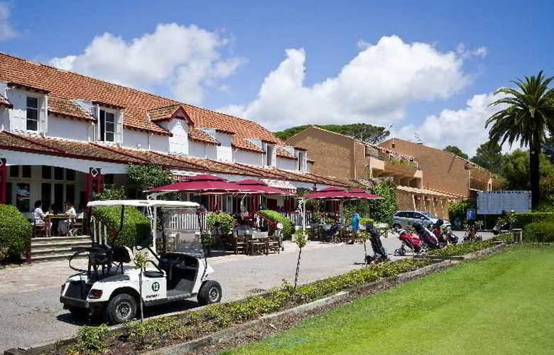 Best western Golf Hotel De Valescure - Terrace - 27