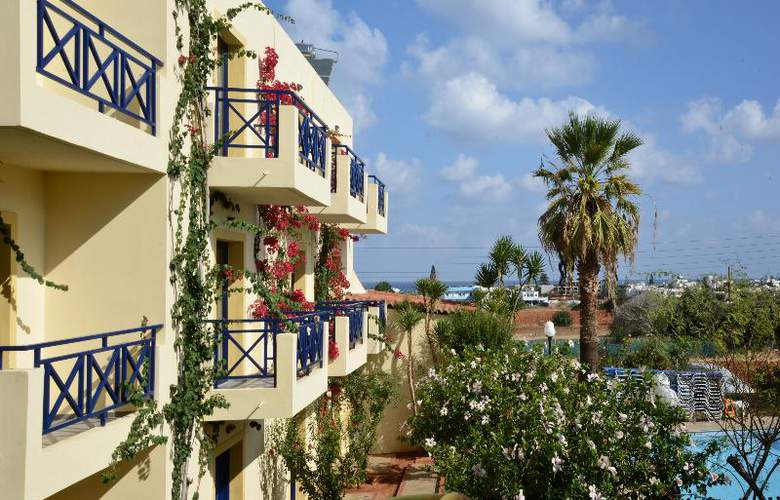 Mylos Apts - Hotel - 4