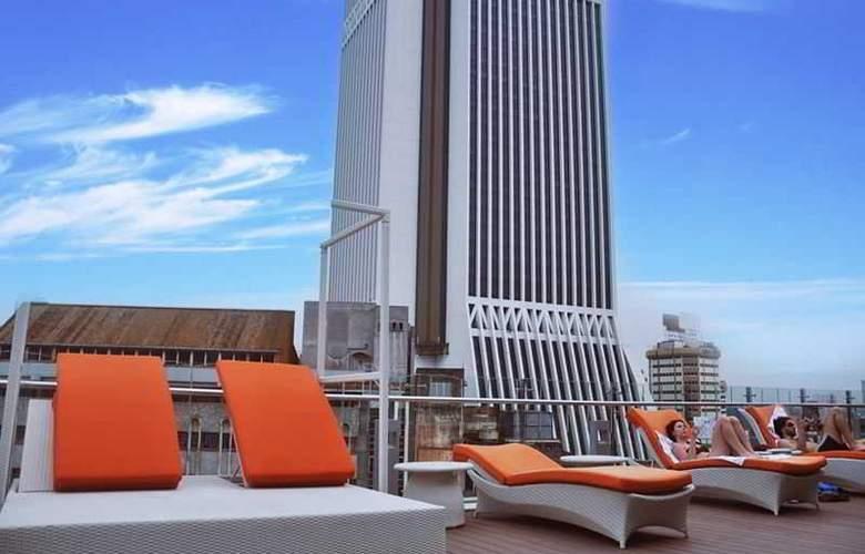 Arenaa Star Luxury - Pool - 22