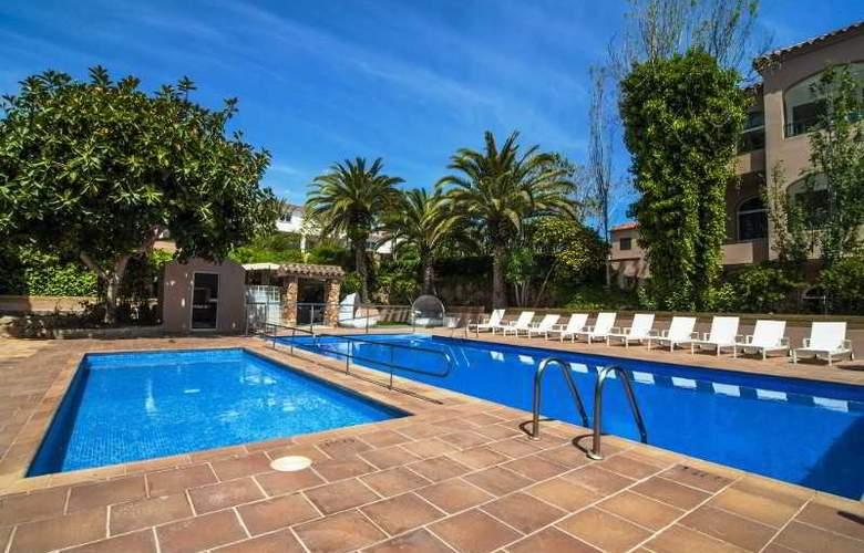 Apartamentos Turísticos Royal Life - Pool - 6