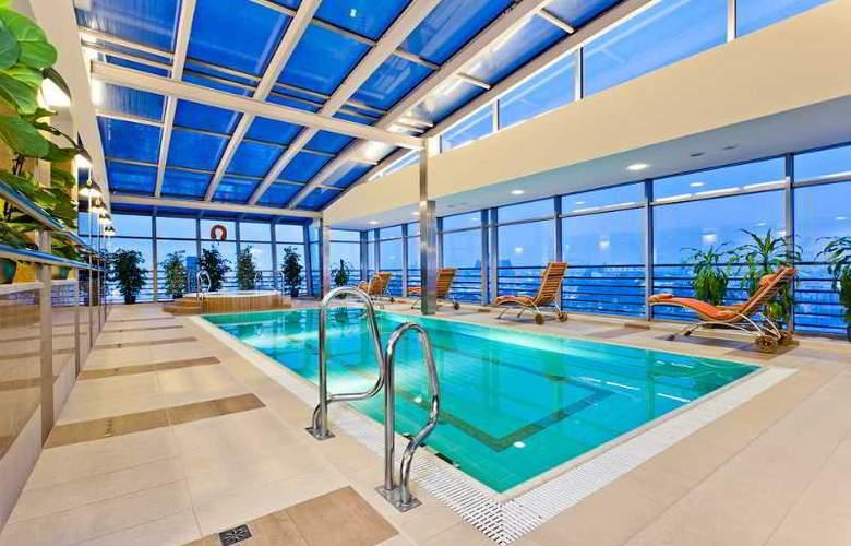 Qubus Hotel Krakow - Pool - 16