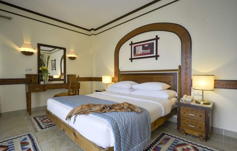 Tiran Island Hotel - Room - 2
