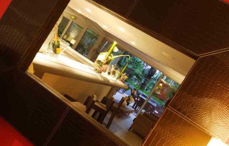 Cezanne - Bar - 3