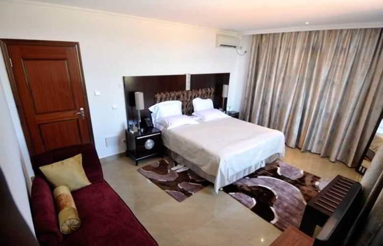 Aanisa Ritz - Room - 2