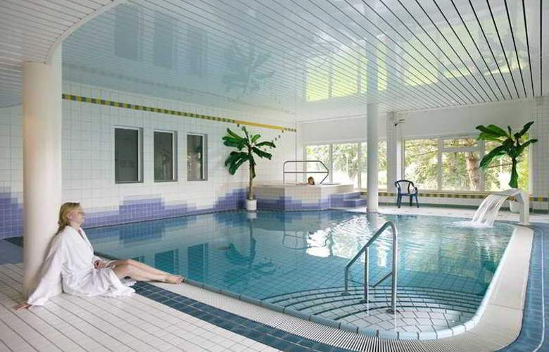 Tryp by Wyndham Bad Bramstedt - Pool - 4