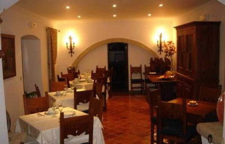 Casa Amarela - Turismo de Habitação - Restaurant - 6