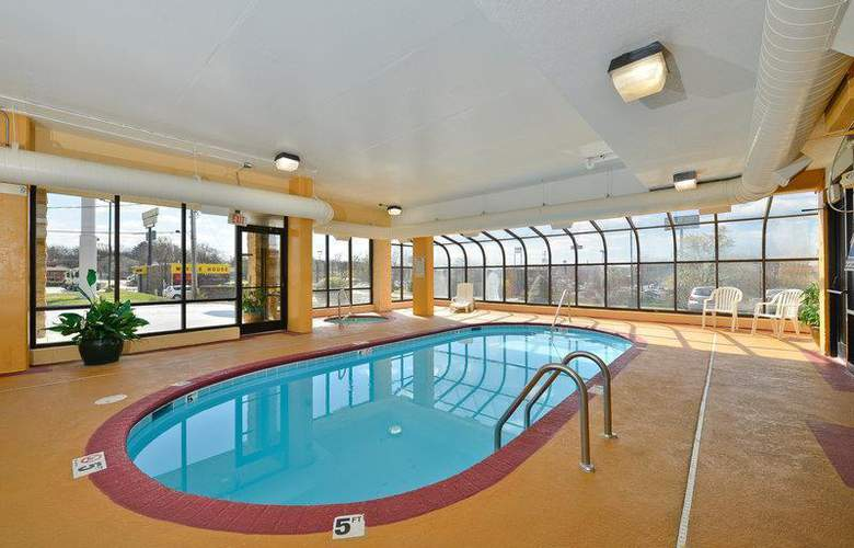 Best Western Knoxville - Pool - 90
