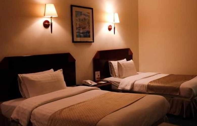 Days Inn - Room - 6