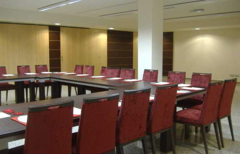 Crowne Plaza Madrid Airport - Conference - 3