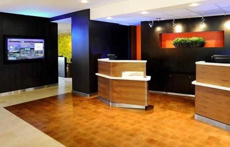 Courtyard Phoenix Airport - Hotel - 9