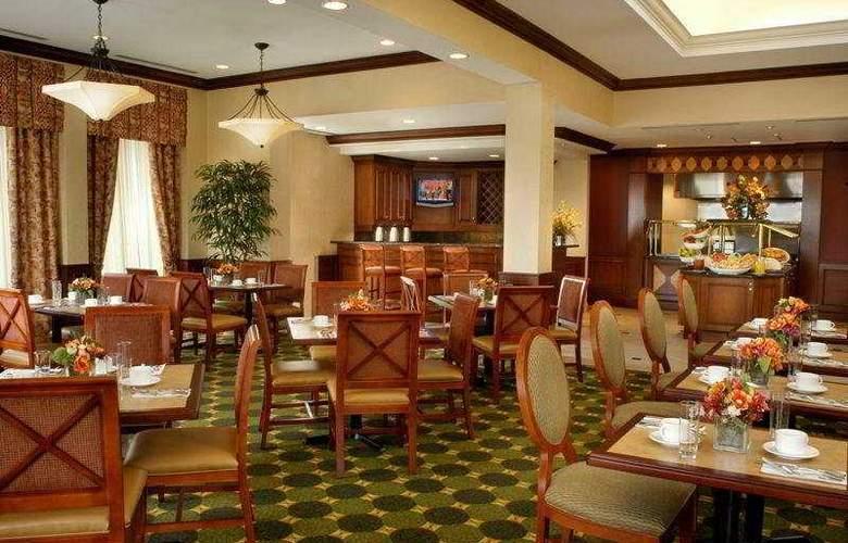 Hilton Garden Inn Toronto Vaughan - Restaurant - 3