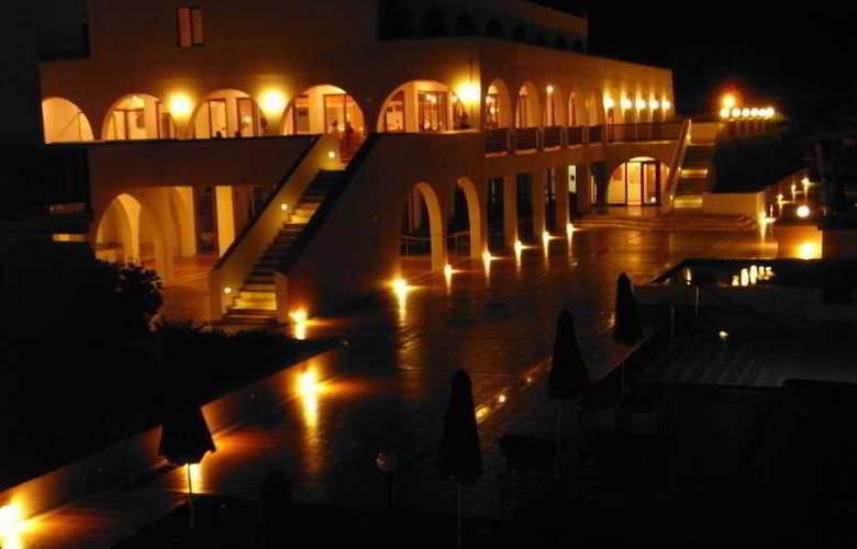 Alfa Beach Hotel - Terrace - 7