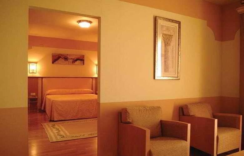 MS Fuente Las Piedras - Room - 3