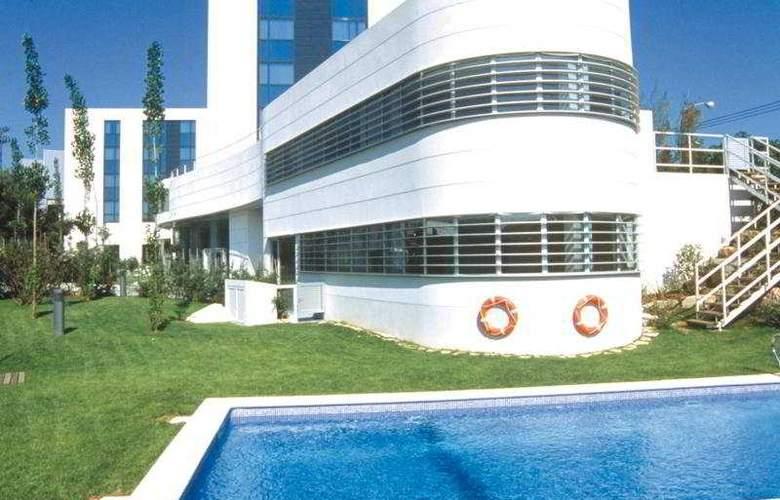 HLG City Park Sant Just - Pool - 15
