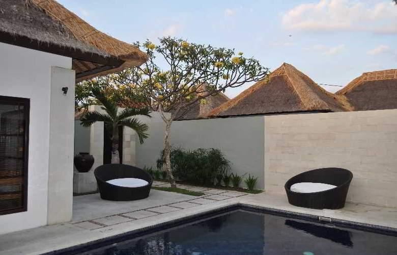 B Villa + Pool - Pool - 17