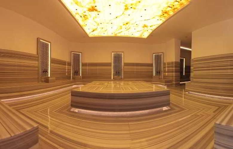 Q Spa Resort - Sport - 11