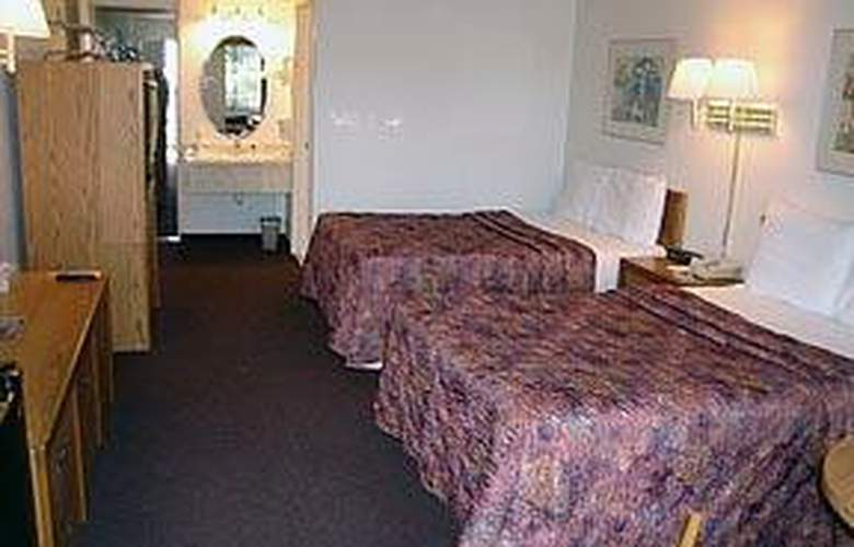 Quality Inn & Suites North/Legoland Area - Room - 5
