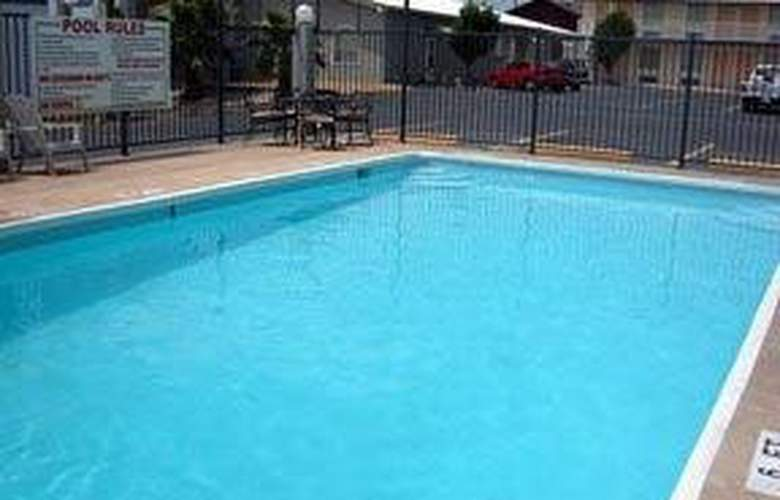 Econo Lodge (Temple) - Pool - 4