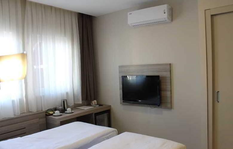Comfort Beige - Room - 13