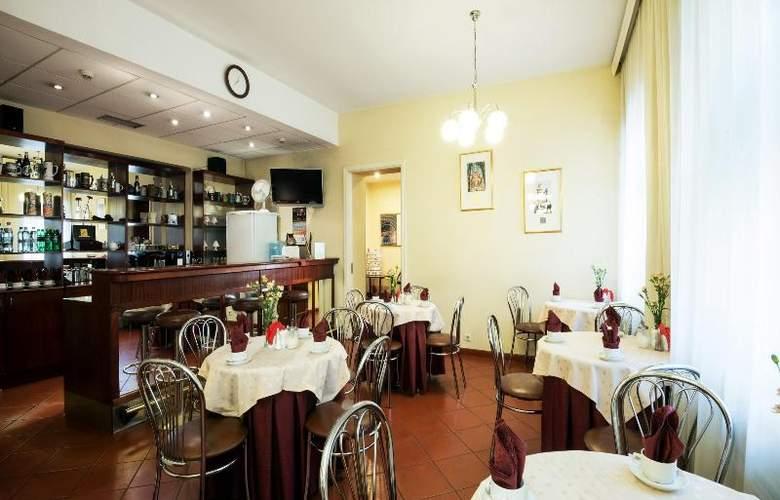 SPB Vergaz - Restaurant - 13