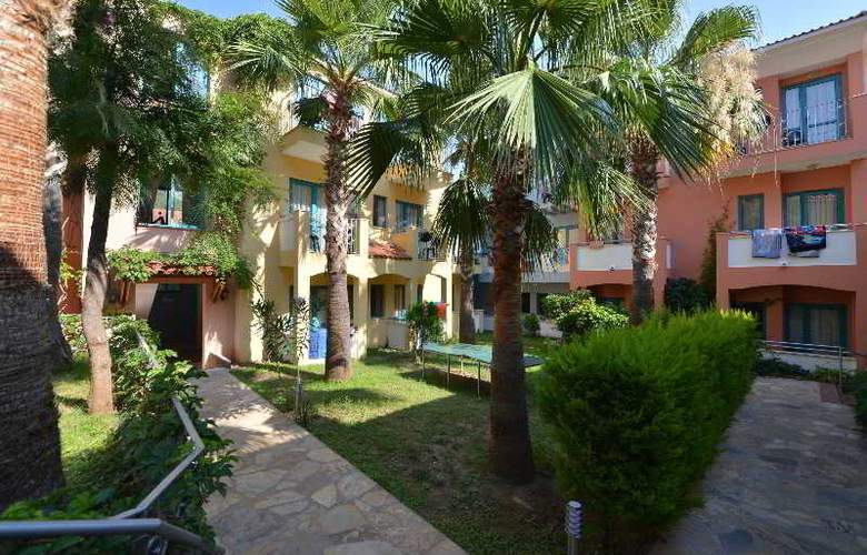 Montebello Beach Hotel - Hotel - 3