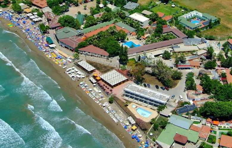 Elis Beach - Hotel - 1