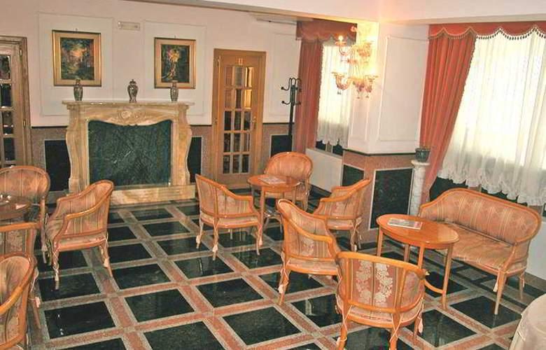 President Hotel - General - 1