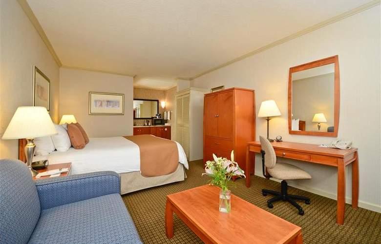 Best Western Plus Mountain View Inn - Room - 36