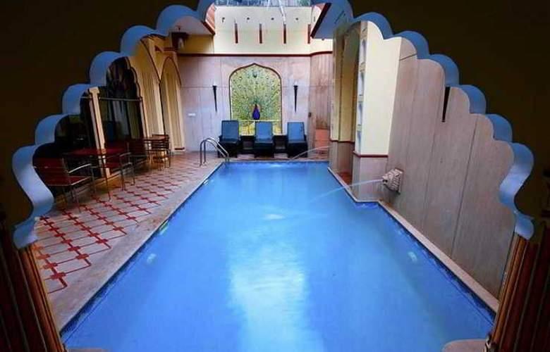 Umaid Mahal - Pool - 13