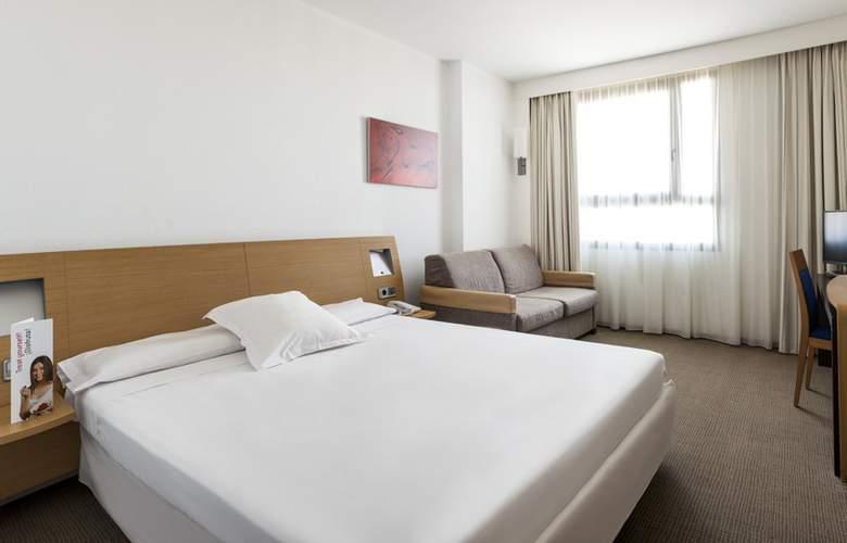Ilunion Valencia - Room - 1