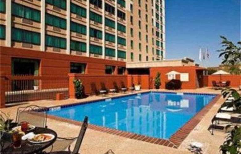 Crowne Plaza Memphis - Pool - 5