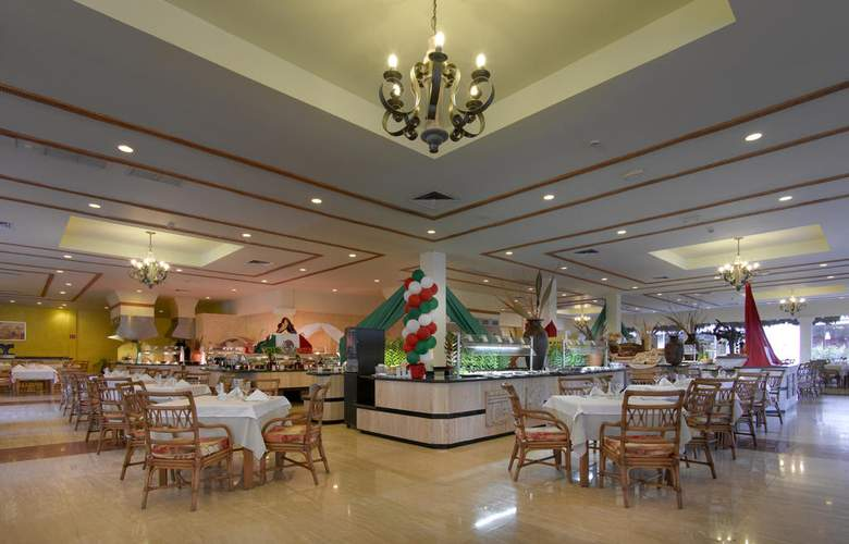 Grand Palladium Kantenah Resort & Spa - Restaurant - 10