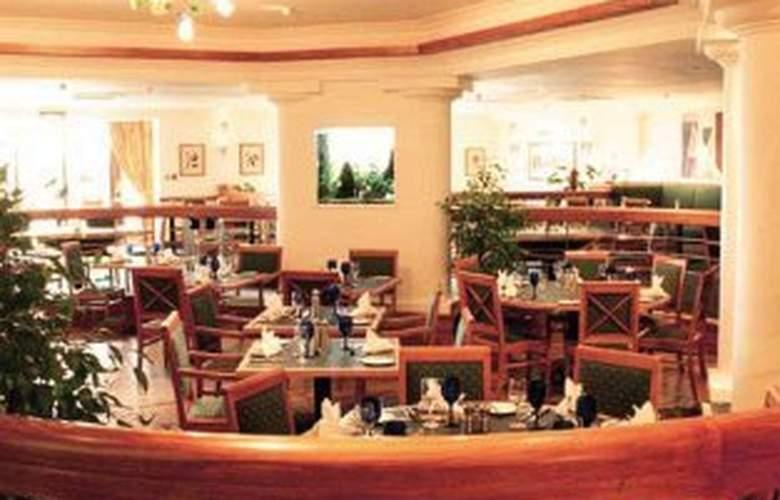 De Vere Shaw Ridge - Restaurant - 2