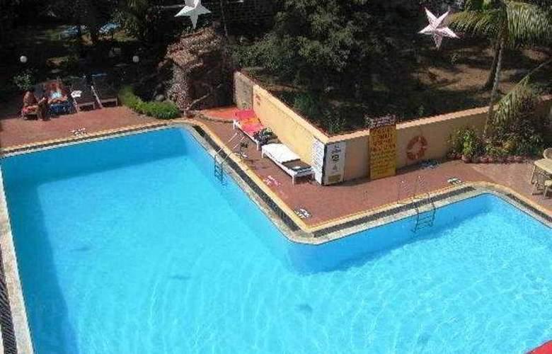 Abalone Resorts - Pool - 3