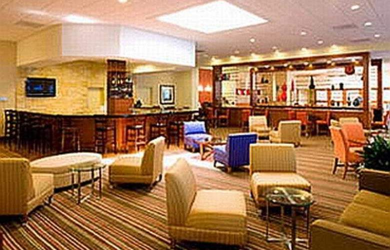 Four Points by Sheraton Houston Memorial City - Bar - 5