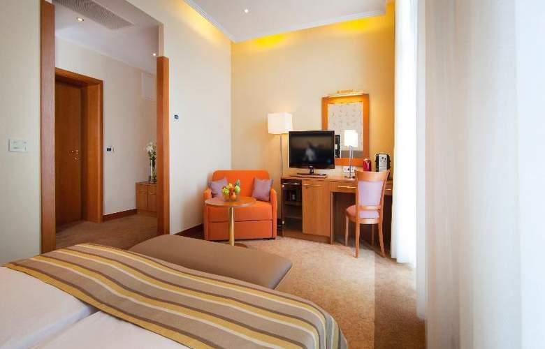 Villa Ambasador - Room - 12
